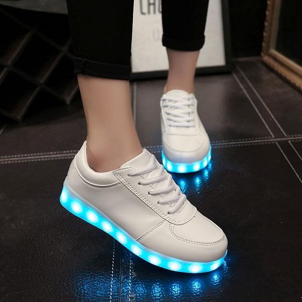 светеща обувка